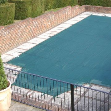 Deluxe Winter Debris Cover for 16' x 32' Pools with a 5' Radius Roman End